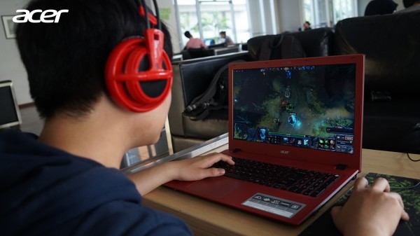Acer Aspire E5-552G, Notebook Gaming AMD dengan Prosesor Carrizo yang Powerful