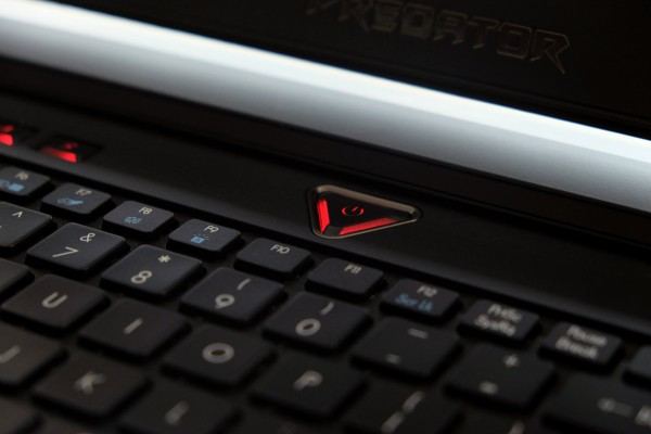 acer-predator-15-tombol-power