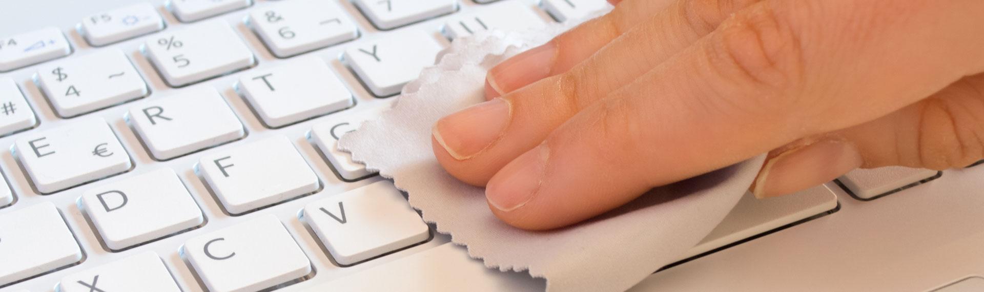 Bebas Kuman Membersihkan Keyboard Kurang dari 4 Menit